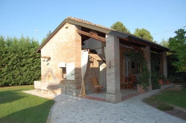 Rustico con piscina for Portico rustico